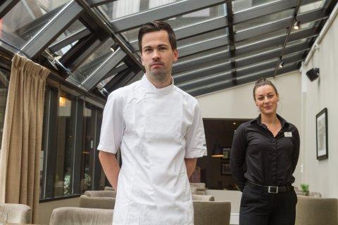 KLARE FOR OPNING: Sous chef Trond Kolstad (28) og restaurantsjef Eirin Fonn Sårheim (31) ser fram til å ta imot gjestar igjen på Ete Fysst.
