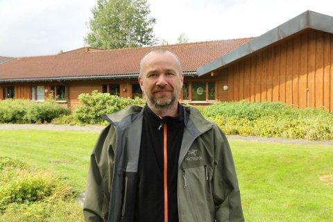 BRENNERI: Øystein Adler Øvrebø i Kvernafossen Bryggeri vil starte brenneri, så han kan lage hard seltzer.