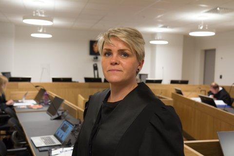 VURDERER ENDRING: Støtteadvokat Synne Catrin Øren vurderer å leggje fram forslag om ein strengare tiltale.