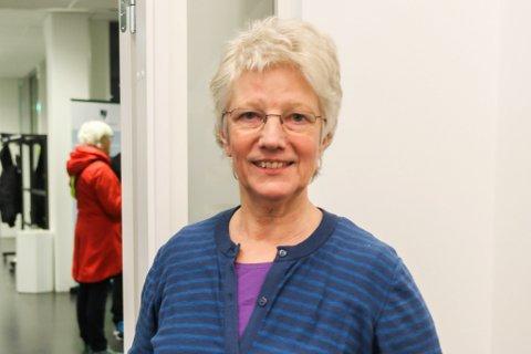 FAKTURERER: Doris Rutledal er prosjektleiar for Sykkelbyen Førde. Ho blei opprørt då dei fekk brev om at Statens vegvesen trekker støtta. No sender dei rekning likevel.