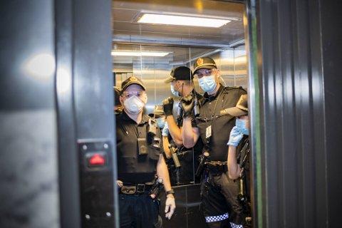 SMITTEVERN FOR ANDRE; OG SEG SJØLV: Å stoppe ulovlege festar har vore nokon av politiets oppdrag gjennom pandemien.