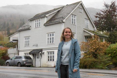 SMYKKE: I 2003 starta jølstringen opp smykkeproduksjon på Ålhus. I over ti år har dette vore fulltidsjobben hennar.