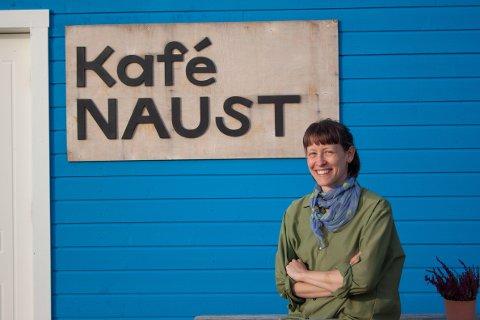 DRIV KAFÉ: I januar 2021 tok Yngvild Åm Sognnes over kafeen Naust i Lofoten.