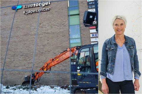 I GONG: Arbeidet på den nye utescena ved Elvetorget er starta. Anne Karin Steen håpar den står klar til våren.