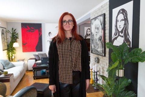 I STOVA: Sett vekk frå Torsheim-bildet heilt til venstre, er alle bilda ein kan sjå her, laga av Helena Bremer Farsund.