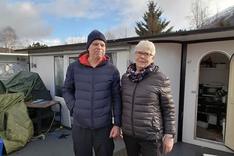 FLAUMSKADE: Campingvogna til Lillian Fimland Sørheim og Arne Sørheim var blant dei som fekk størst skader i flaumen onsdag.