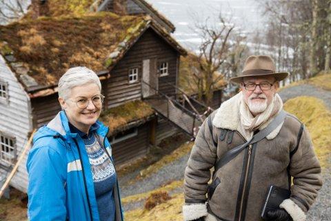 STORE TING I EMNING: – Hagen er Astrup sitt største kunstverk, meiner kommunalsjef Hilde Bjørkum og prosjektleiar Lars Henrik Milert, som no er i ferd med å setje dette storverket i stand att.