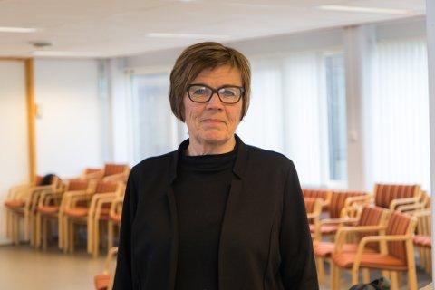 HAR TRUA: Bente Nesse, Kommunedirektør i Fjaler kommune, har tru på at dei skal klare å finne ein ny personalsjef blant søkarane.