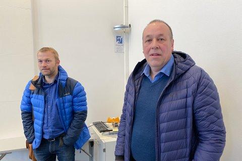 STATENS VEGVESEN: Ole Martin Lilleby og Svein Reidar Dale orienterte om tunnel-planene ved E39 Skjersura og Våtedalen.