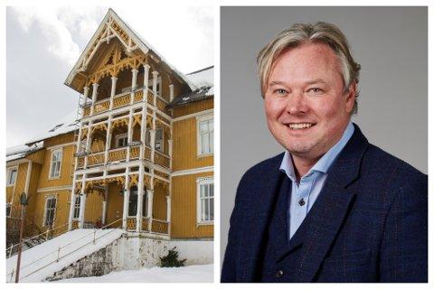 VIL FINNE EI LØYSING: David Aasen Sandved i Vestland fylkeskommune seier eit verkemiddel dei har, er å gå inn for ei mellombels freding av det gamle hotellbygget. – Men vi ønskjer å løyse dette med dialog, seier han.