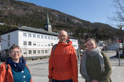 TALERØYR: Hanne B. Oftedal, Paul-Rune Daviknes og Benedicte Moritsgård Refvik vil bidra til at folket si røyst vert høyrt i sentrumssaker når dei er oppe i kommunen.