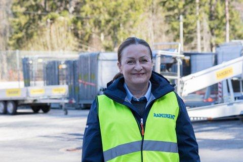 KVINNESATSING: May Britt Torsnes er ny kundesenterleiar i Ramirent. No satsar bedrifta på å få inn fleire kvinner.