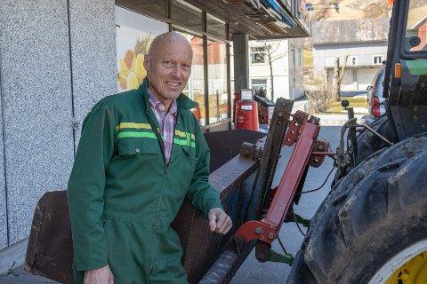 BURDE VORE MOGELEG: – Coop Jølster har vore eit veldrive samvirkelag, og det burde vore mogeleg å etablere Extra-butikk i eigen regi, seier Einar Gautefall.