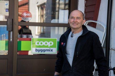 KLÅR BESTILLING: – Viss vi skal fusjonere, er kravet å få ein Extra-butikk og behalde Byggmix, seier styreformann Arve Dvergsdal i Coop Jølster, som for tida er i god dialog med Coop Norge og Coop Nordvest.