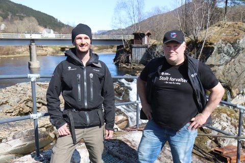 SAMARBEID: Sebastian Strandel kom med ei løysing som gjorde at Eiliv Erdal slapp å utsette dugnadsfolk for farlege situasjonar.