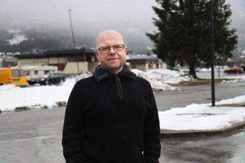 IKKJE TILLIT TIL TILLITSVALDE: Stig Tveit, talsmann for dei deltidstilsette brannkonstablane på Vassenden og Skei.