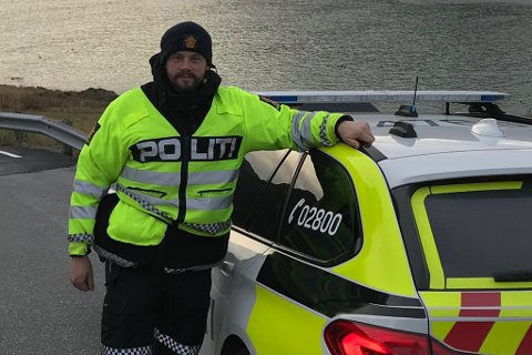 MANGE BESLAG: På under ei veke har UP-betjent Øyvind Magnus Solheim og kollegaen teke tre førarkort. Bildet er frå ein tidlegare kontroll ved Refvik.