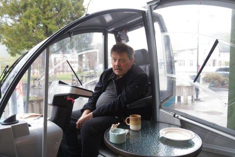 EIT HØGDEPUNKT: Dagens lyspunkt for Johnny Strandenes er kaffi og svele på kafè rundt lunsjtider.