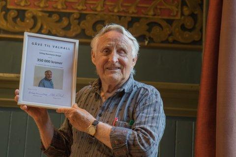 ARV: Erling Normann Berge (80) testamenterer vekk 350.000 kroner til ungdomshuset slik a oppussinga kan starte.