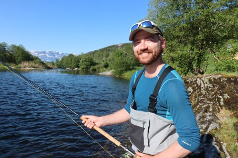 STATSRÅDBESØK: Sveinung Rotevatn opna laksefisket i Nausta tysdag 1. juni.