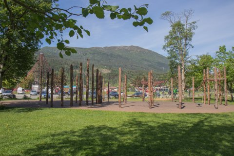 FØRDE: Klatrepark på festplassen i Førde opna for første gong i 2013.