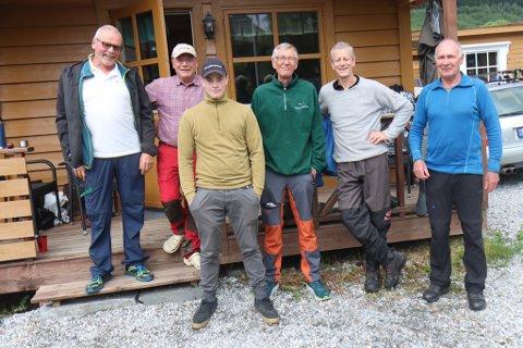 FISKARAR: Egil Tefre, Bendik Engebretsen, Rolf Liebich, Jan Engebretsen og Thor Bjørlo og Edvin Gjersdal.