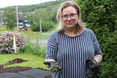 PLUKKA: Gunn Hafstad Øyra har aldri funne så mange brunsniglar som ho gjorde torsdag.