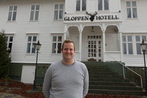 FEIL BRUK: Hotelldrivar Preben Moen på Gloppen Hotell, er kritisk til måten næringssjef Knut Roger Nesdal har fordelt koronamidlar i kommunen, og prosessen rund tildelinga.