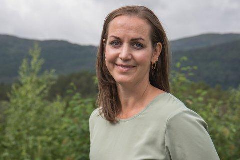 Kristine Folland (38)