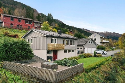 70-TALS: Huset vart bygd i 1971, men har blitt oppgradert sidan. Heile åtte kjøparar la inn bod over takst.