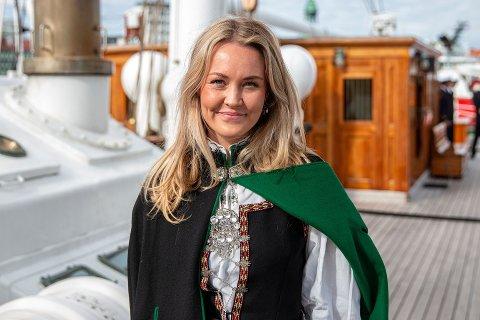 NOMINERT: Malene Indrebø-Langlo frå Florø er nominert til Årets unge talent av Norsk Journalistlag Bergen.