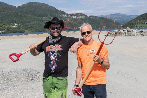 KONSERTHELG: Simon Vie og Tore Fossen er klare for å arrangere Gaffel'trøkk 2021. Det var Fossen som kom opp med namnet: – Det er ein pigg for kvar konsertdag.