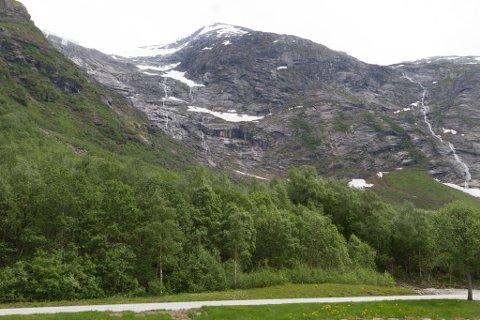 NATURARV: I Lundebotn i Kjøsnesfjorden er ein populær utsiktsplass, og startplass.