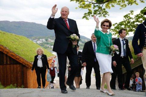 BESØK: Kong Harald og dronning Sonja kjem til fylket i juni. Bildet er frå Møre og Romsdal.