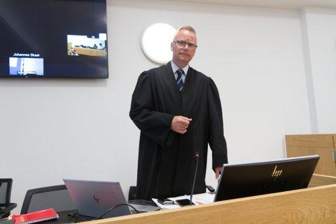 AKTOR: Eirik Stolt-Nielsen er påtalemakta sin representant i rettsalen.