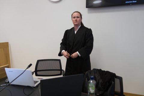 FORSVARAR: Bente Hermansen er forsvarsadvokat for den tiltalte mannen. Ho meiner han ikkje kan dømmast til tvunge psykisk helsevern.