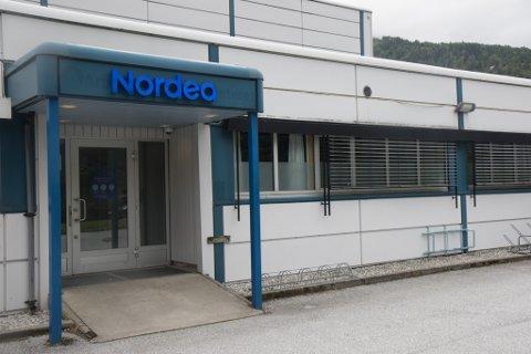 SMITTE: Alle dei tilsette ved Nordea Direct sitt kontor i Førde er testa for korona, etter at ein av kollegaene deira er påvist smitta.