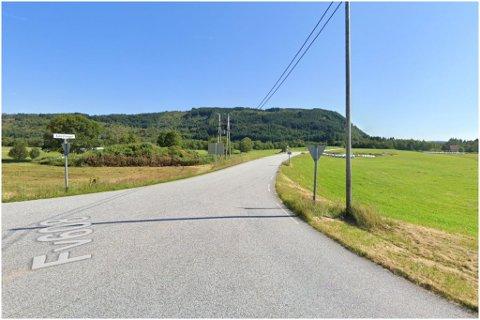 NY FARTSGRENSE: Vegen frå krysset til Dale og Førde og mot Askvoll sentrum kan få ny fartsgrense.