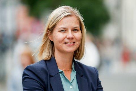 KJEMPEBRA: Venstre-leder og kunnskapsminister Guri Melby synest det er kjempebra at lærarar og barnehagetilsette ønsker å ta vaksinen.