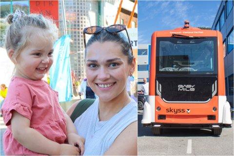 SPENT: Henriette Berntsen hadde med seg dottera si, Victoria Berntsen Bjørnedal på Førde opp på laurdag. Ho er positiv til den nye sjølvkøyrande bussen: – Dette er veldig artig. Det første som slår meg er at den er ganske liten, men det er kanskje noko som blir endra etter kvart, seier ho.