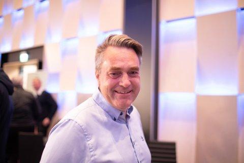 PÅ PLASS: Marius Dalin (MDG) er på plass på Sunnfjord Hotell i kveld.