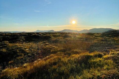 SOL: Ifølge meteorologen går vi ei fin helg i vente. På fredag blir det sol og 18 grader i Førde-området.