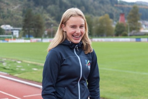 Bertine Angedal(13) år er rekna som eit stort talent i fleire idrettar. Her med mamma Signe Marie Hauge