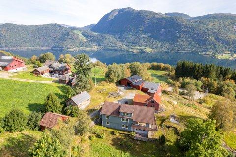 ULLTANG: Førdefjordvegen 385 vekte stor interesse.
