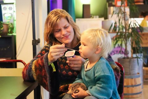 FESTIVALSJEF: Miriam Prestøy Lie og hennar vesle gut.