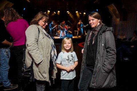 Britt Slangsvold, Oskar Mathias Slangsvold Trinborg (6,5) og Kine Slangsvold var tilstede i Gamlebyen fredag.
