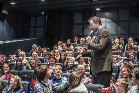 POPULÆR: Eric Shaw fant raskt tonen med 164 tilhørere i sal 3 på kinoen. BEGGE Foto: Thomas H. Arntsen