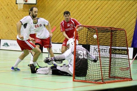 TRE MÅL: Willy Fauskanger var svært delaktig i Greåkers seier over FIBK og scoret tre mål.