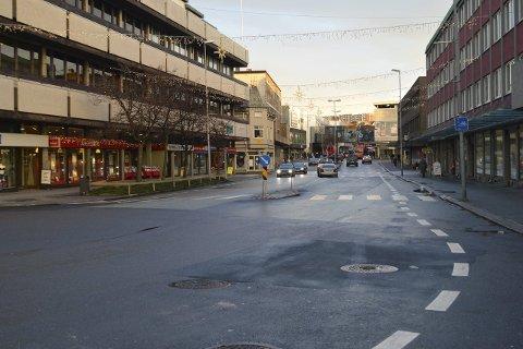 Ran: I Brochs gate skal det ha skjedd ett ran på fredag. En mistenkt mann er varetektsfengslet, en annen er på frifot. Foto: Marianne Holøien