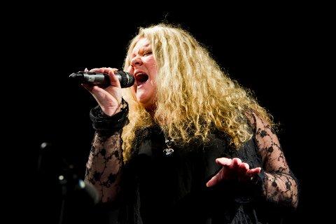 DELTAR: Etter tre forespørsler sa Annette Marie Fossum (33) endelig ja til å synge i «The Voice».